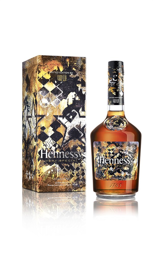 08 Hennessy_VS_Limited_Edition_by_Vhils_-_Bottle_and_Giftbox