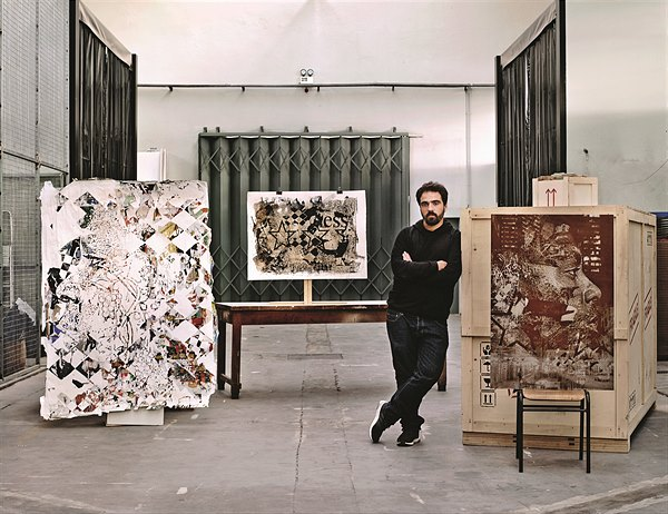 11 Hennessy_VS_Limited_Edition_by_Vhils_-_Vhils_in_his_studio