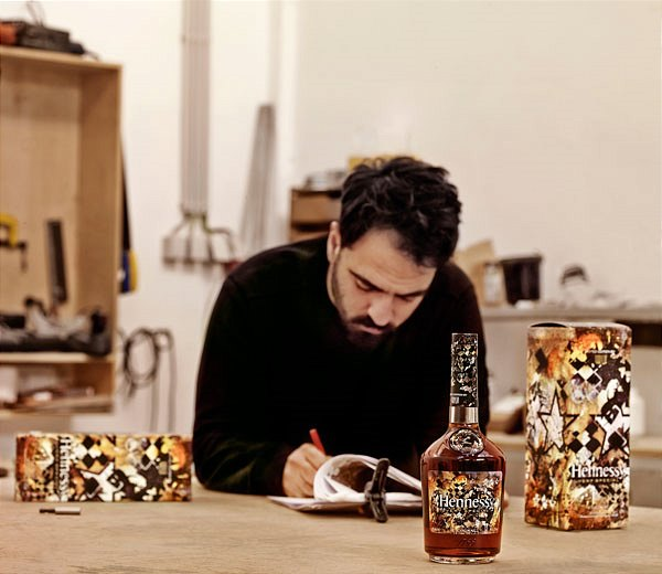 kl_04 Hennessy_VS_Limited_Edition_by_Vhils