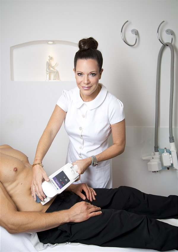 Dr. Michaela Meister 01 CoolSculpting